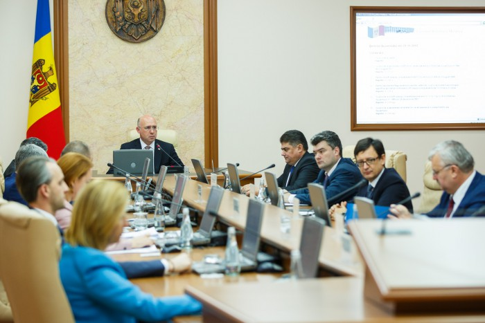 (video) Guvernul a aprobat proiectul legii Bugetului pe 2018: Cresc veniturile și cheltuielile, și se alocă bani pentru construcția penitenciarului Chișinău și ambulanțe noi