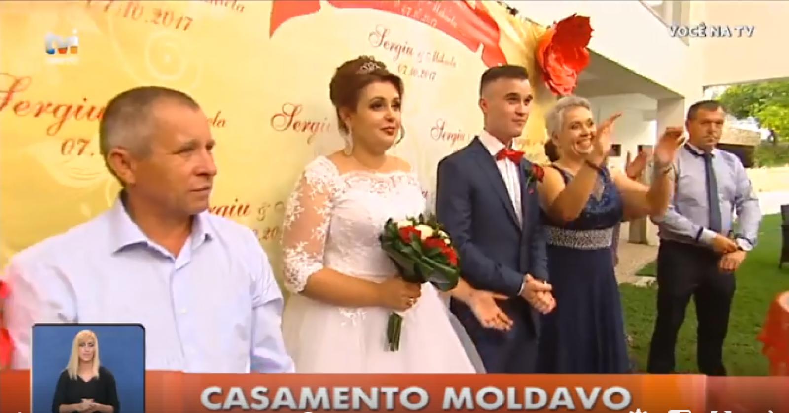 (video) Haine populare, lăutari și obiceiuri. O nuntă moldovenească jucată în Portugalia, subiect de știre pentru o televiziune locală