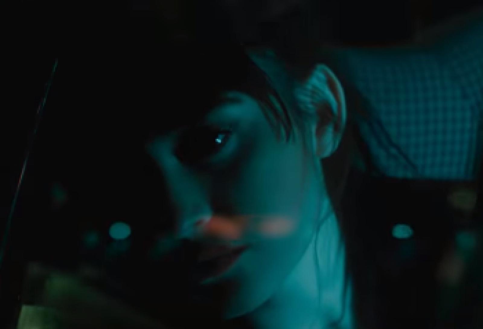 """(video) Irina Rimes a lansat al doilea episod din noua trilogie. Continuă povestea iubirilor secrete cu """"În locul meu"""""""