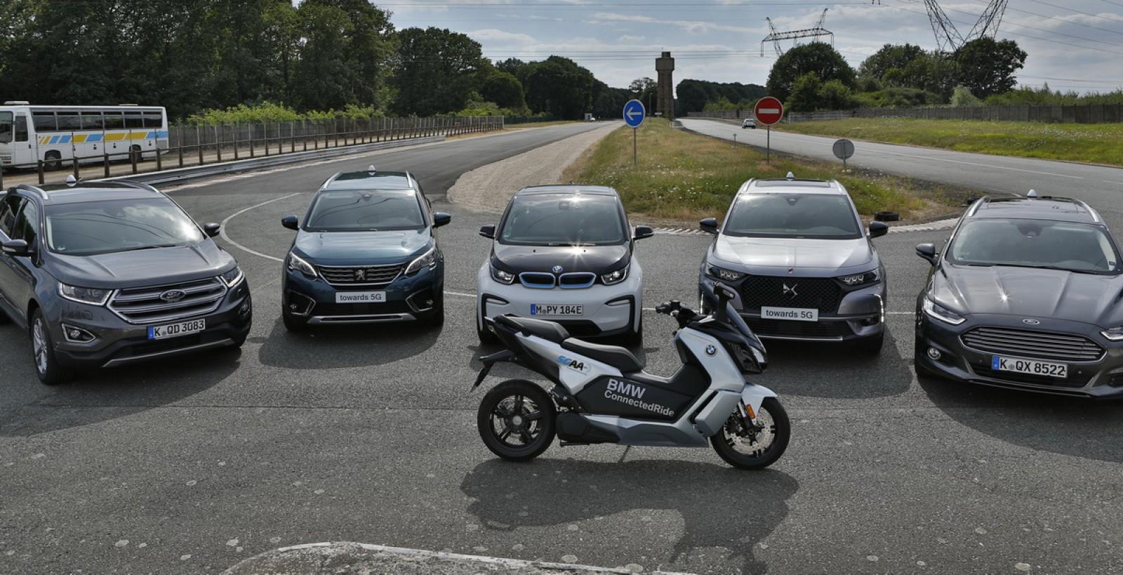 (video) Maşinile BMW Group, Ford şi ale PSA vor putea comunica prin standardul C-V2X. Iată cum funcţionează