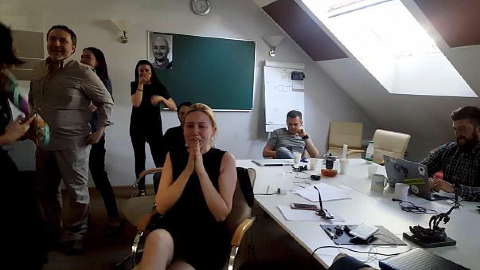(video) Momentul în care colegii lui Arcadii Babcenko află că jurnalistul nu este mort