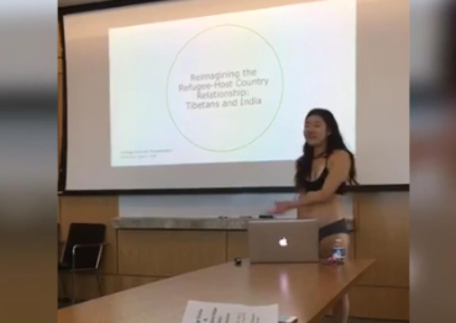 (video) O studentă din SUA și-a prezentat teza în lenjerie. Motivul pentru care a recurs la acest gest