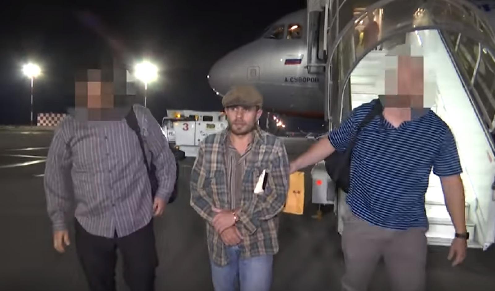 (video) Un moldovean, dat în căutare internațională de Interpol acum 17 ani, găsit în SUA și extrădat în RM