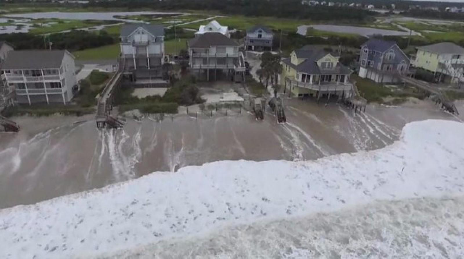 """(video) Uraganul Florence a atins coasta de est a SUA: Vânturi, ploi abundente și avertismente de inundații """"catastrofale"""""""