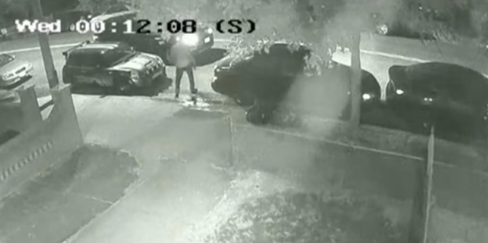 (video) Viral pe Internet. Cum s-a răzbunat un şofer pe un altul care i-a blocat accesul în curte