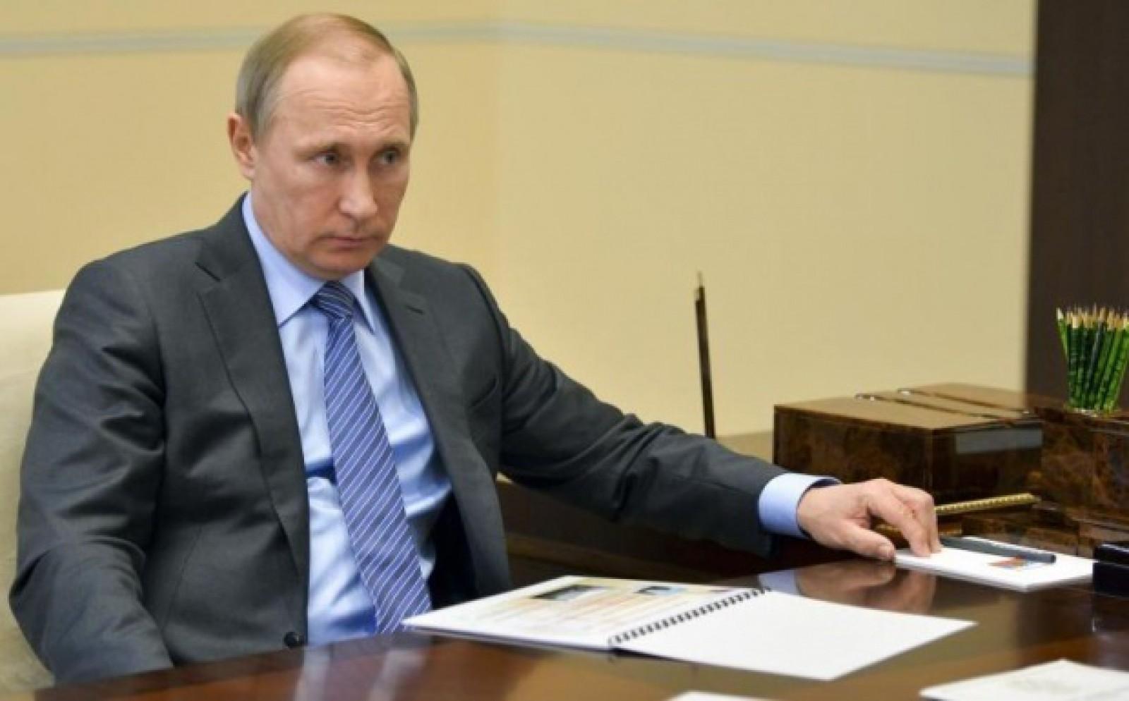 Vladimir Putin în pragul alegerilor mărește salariile rușilor până la 163 de euro