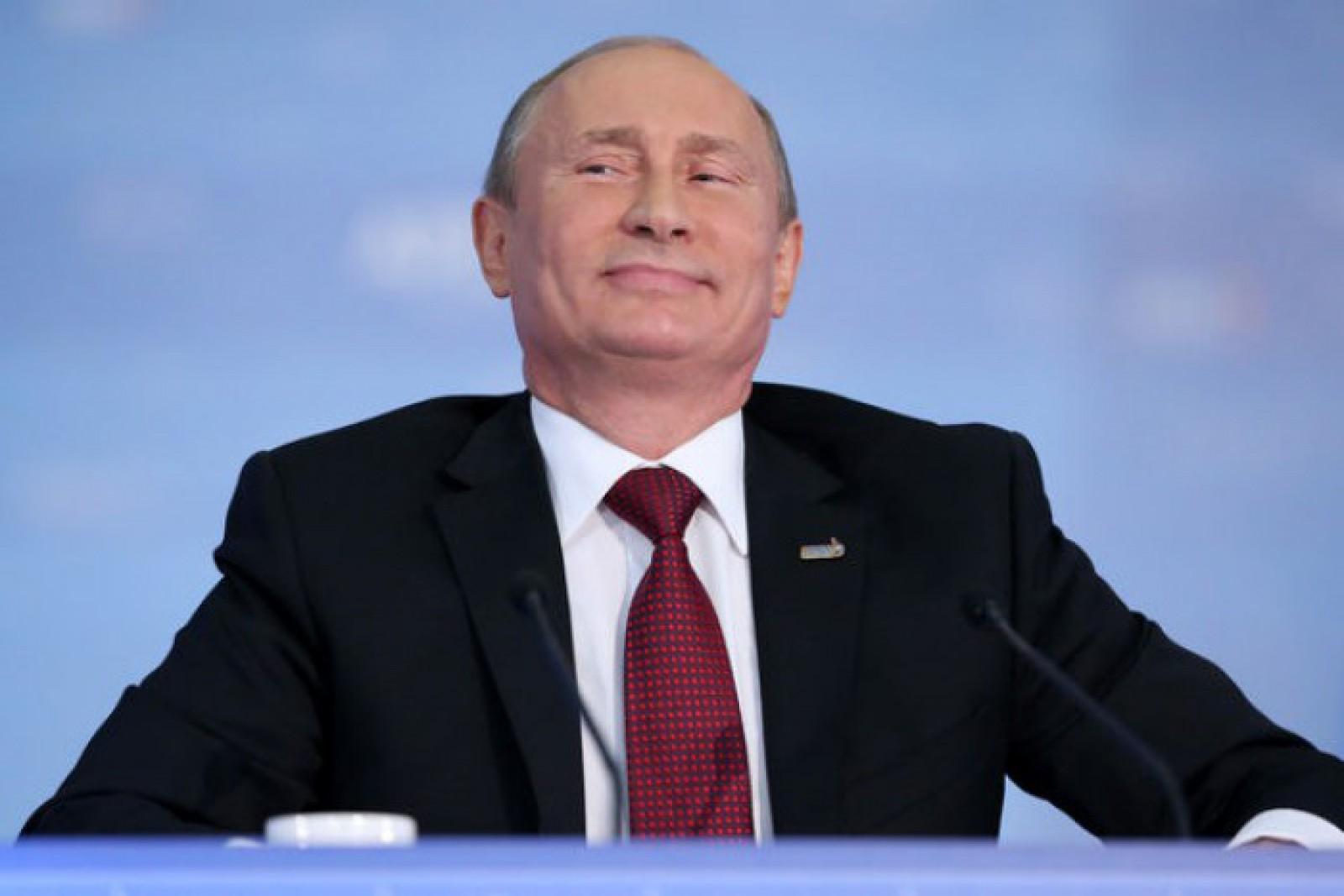 """Vladimir Putin: """"Dacă nu voi câștiga alegerile din 18 martie, voi merge să lucrez tractorist"""""""