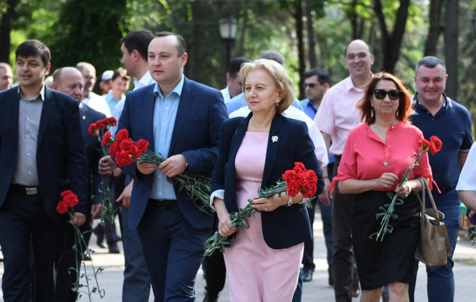 Zinaida Greceanîi: Noi trebuie să restabilim atmosfera de prietenie și înțelegere din țara noastră