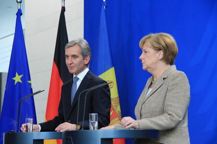 (doc) Angela Merkel ține pumnii pentru Iurie Leancă
