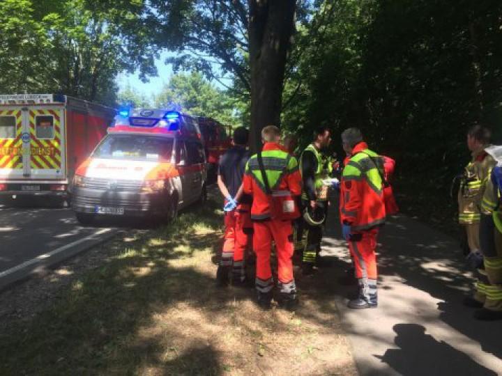 Atac cu cuțitul într-un autobuz, în nordul Germaniei. 14 persoane au fost rănite