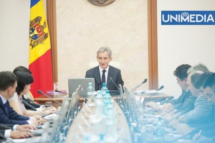 Disensiuni între Lazăr și Arapu: Întreprinderi de stat, scutite de plăți în valoare de 24 mln de lei