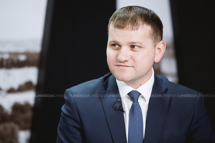"""(doc) Candidatul PL, Valeriu Munteanu, contestă înregistrarea Silviei Radu la alegeri: """"Am solicitat actele depuse de concurentul electoral Silvia Radu"""""""