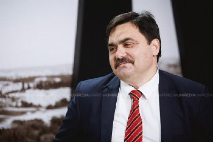 (doc) Victor Strătilă, candidatul Partidului Verde Ecologist, a fost înregistrat în cursa electorală. CV-ul și platforma electorală a pretendentului la Primăria Chișinău