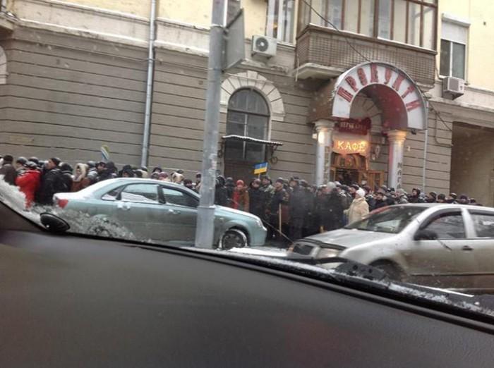 (foto) Centrul Kievului, evacuat de autorități