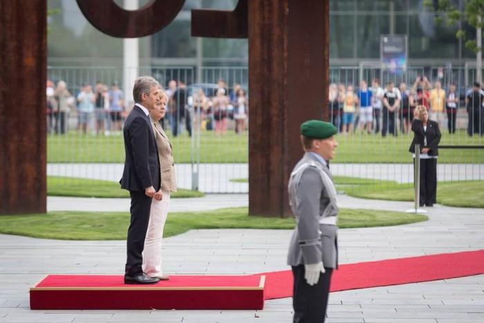 (foto) Cum a fost întâmpinat Iurie Leancă de Angela Merkel la Berlin