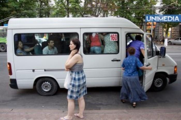 Gamrețchi: Microbuzele de pe rutele anulate nu mai circulă