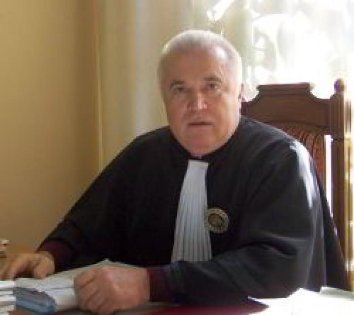 Judecătorul Curţii de Apel Chişinău, Sergiu Arnăut, sărac în declaraţii, dar cu proprietăţi de milioane