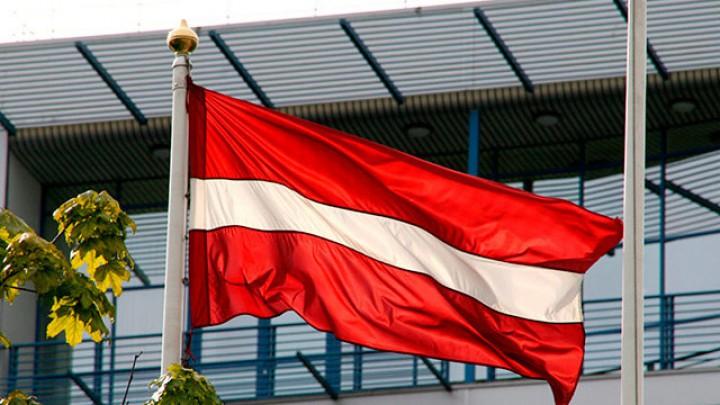 Letonia a interzis definitiv învăţământul în limba rusă