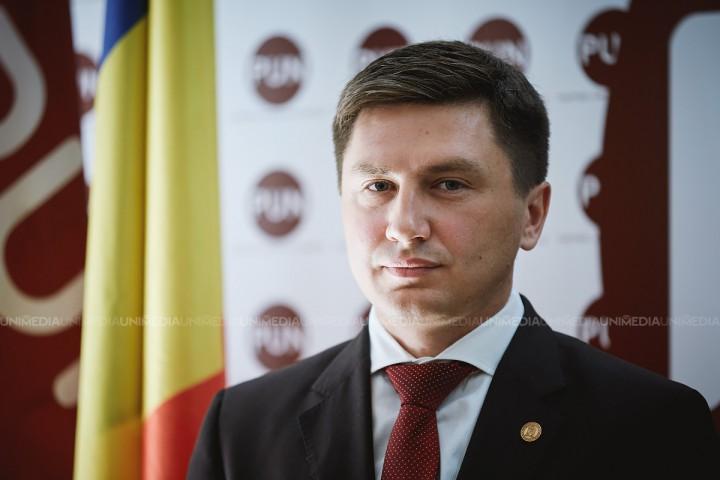 (video) Primele declarații ale candidatul PUN după închiderea secțiilor de vot: Vreau să le mulțumesc tuturor ce au votat pentru Constantin Codreanu