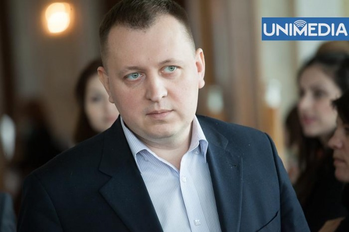LIVE: Grigore Petrenco iese în fața presei