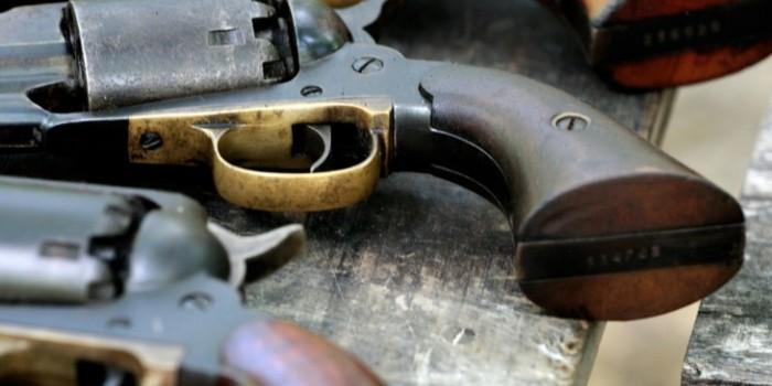 Marșul Unirii. Tânărul cu pistol traumatic va fi amendat