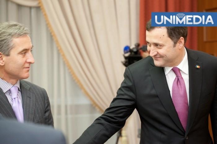 (video) Oscilații în topul celor mai influenți politicieni: Voronin coboară în poziții