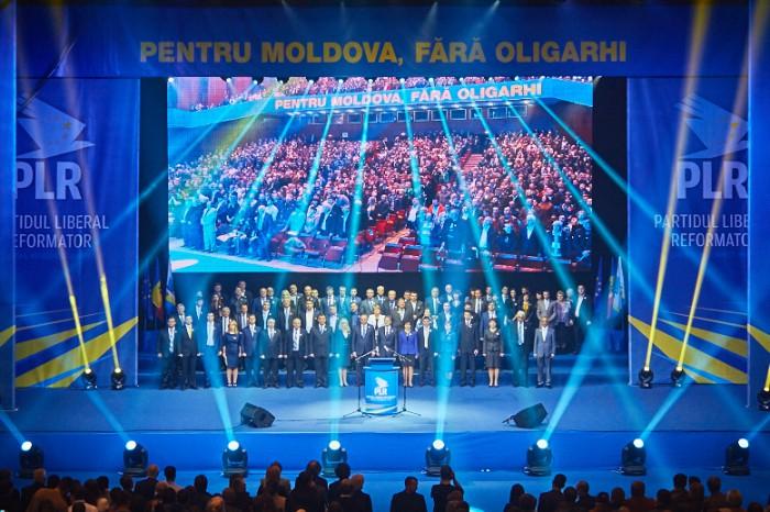 """PLR s-a lansat în campanie - """"Pentru Moldova, fără oligarhi"""""""