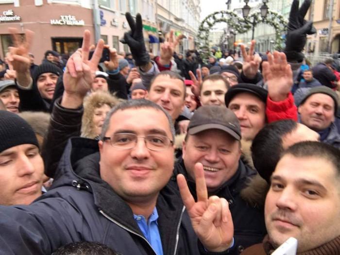 Renato Usatîi nu a mers la secția de vot din incinta Consulatului RM din Moscova: Ei pot să mă aresteze