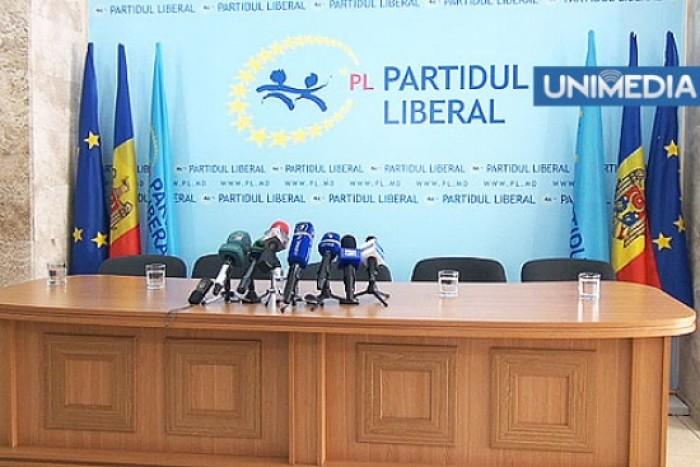 (video, doc) Liberalii merg la CC: Limba română trebuie să fie limba română