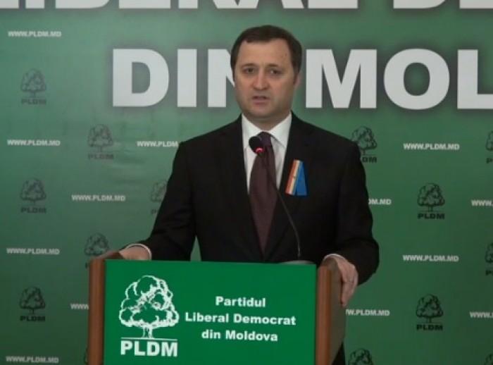 (video) Campanie PLDM: Câte un drapel RM și UE pentru fiecare instituție de învățământ din țară