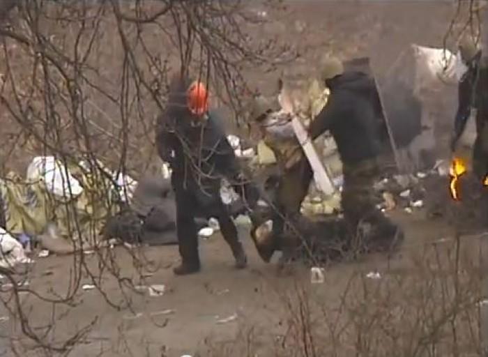 (video) Imagini revoltătoare. Zeci de oameni sunt împușcați pe străzile Kievului