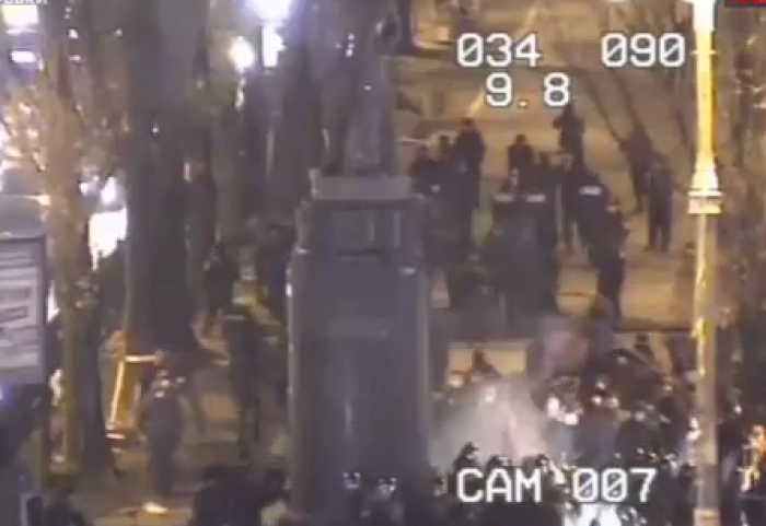 (video) Kiev: Protestatarii au încercat să demoleze monumentul lui Lenin