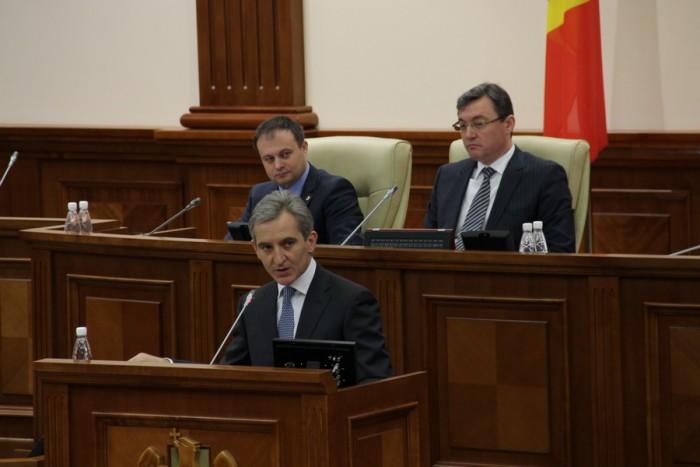 """(video) Leancă a demontat în Parlament """"piramida clădită din falsuri și minciuni a opoziției comuniste"""""""