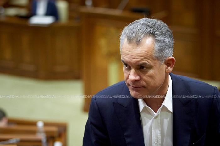 (video) Pe cine să credem? Plahotniuc spune că oficialii europeni nu au condiționat schimbarea sistemului electoral cu asistența macro-financiară
