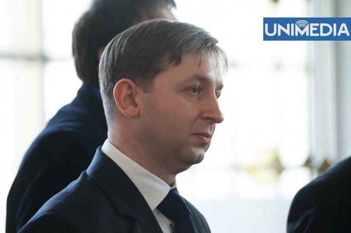 """(video) Stop cadru: Reșetnicov comentează poziția """"cu ghinion"""" a PCRM din buletinul de vot"""