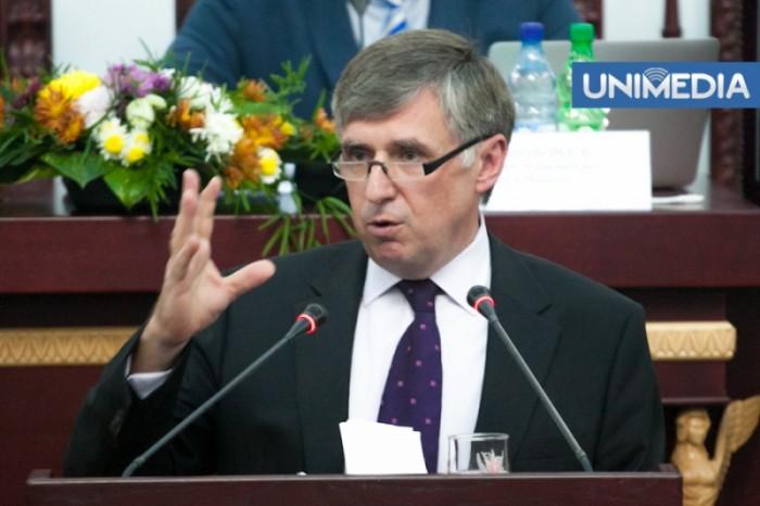 (video) Sturza vorbește despre diferența între Timofti și Voronin: Ultimul a dat mii de indicații ilegale