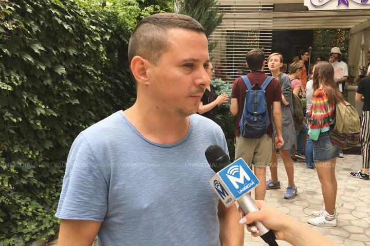 """(video) """"Sunt homosexual și..."""". Povestea lui Veaceslav, care a participat pentru prima data la Marșul Solidarității """"Fără Frică de Iubire"""""""