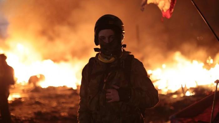(video) Un regizor moldovean a fost rănit în timp ce filma un documentar despre protestele de la Kiev