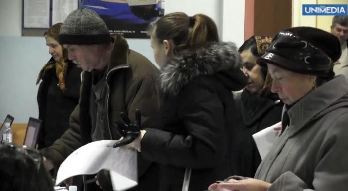 Votul continuă în patru secții electorale din țară