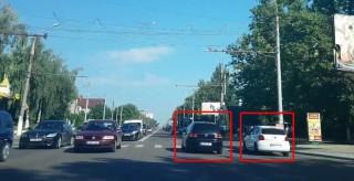 Întreceri pe bd. Alba Iulia? Doi şoferi, filmaţi cum încalcă mai multe reguli de circulaţie