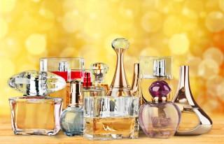 Șase greşeli pe care le faci când te dai cu parfum