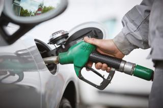 ANRE a anunțat noi scumpiri la benzină și motorină: Prețurile au crescut cu peste 30 de bani