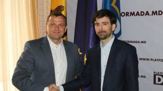 """Deputat român: """"Majoritatea cetățenilor care au participat la vot au înțeles blatul dintre Plahotniuc și Dodon și s-au exprimat anti-oligarhie și pro-UE"""""""