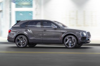 (foto) Avem un nou Bentley Bentayga în oraş şi are unul din cele mai scumpe eşapamente din ţară