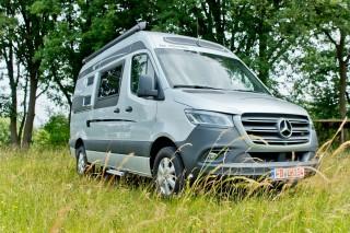 (foto) Costă minim 60000 de euro. Prima casă pe roţi făcută pe baza noului Mercedes-Benz Sprinter