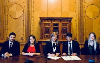 (foto/doc) Tinerii Social Democrați din Moldova propun ca 2 mai să fie declarată Ziua Națională a Tineretului. Rezoluția a fost semnat de parlamentari PSD din România