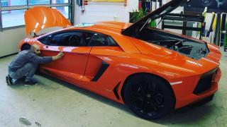 (foto) Un Lamborghini şi un Dodge Challenger au ajuns pe mâinile unui moldovean. Iată ce a făcut cu ele
