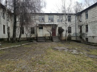 (foto) Unele demolate, altele reparate. Grădinița nr.28 de la Poșta Veche, aflată în paragină, va fi renovată