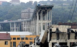 Genova: Între 10 și 20 de persoane sunt încă date dispărute în urma prăbușirii podului