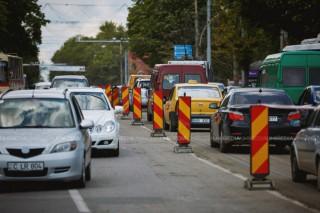 InfoTrafic: Străzile din Chișinău pe care se circulă cu dificultate la acestă oră și trebuie evitate
